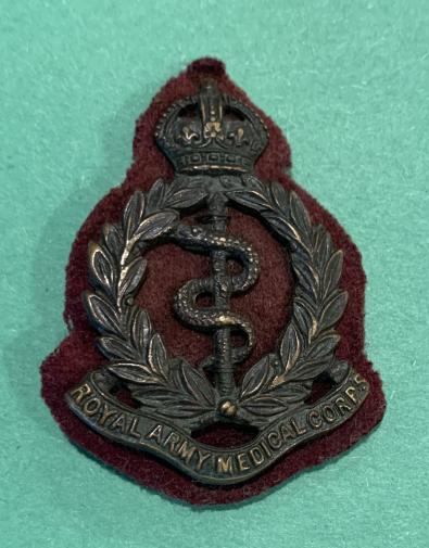 WW1 RAMC Officer Cap Badge with Cloth Backing  - GAUNT
